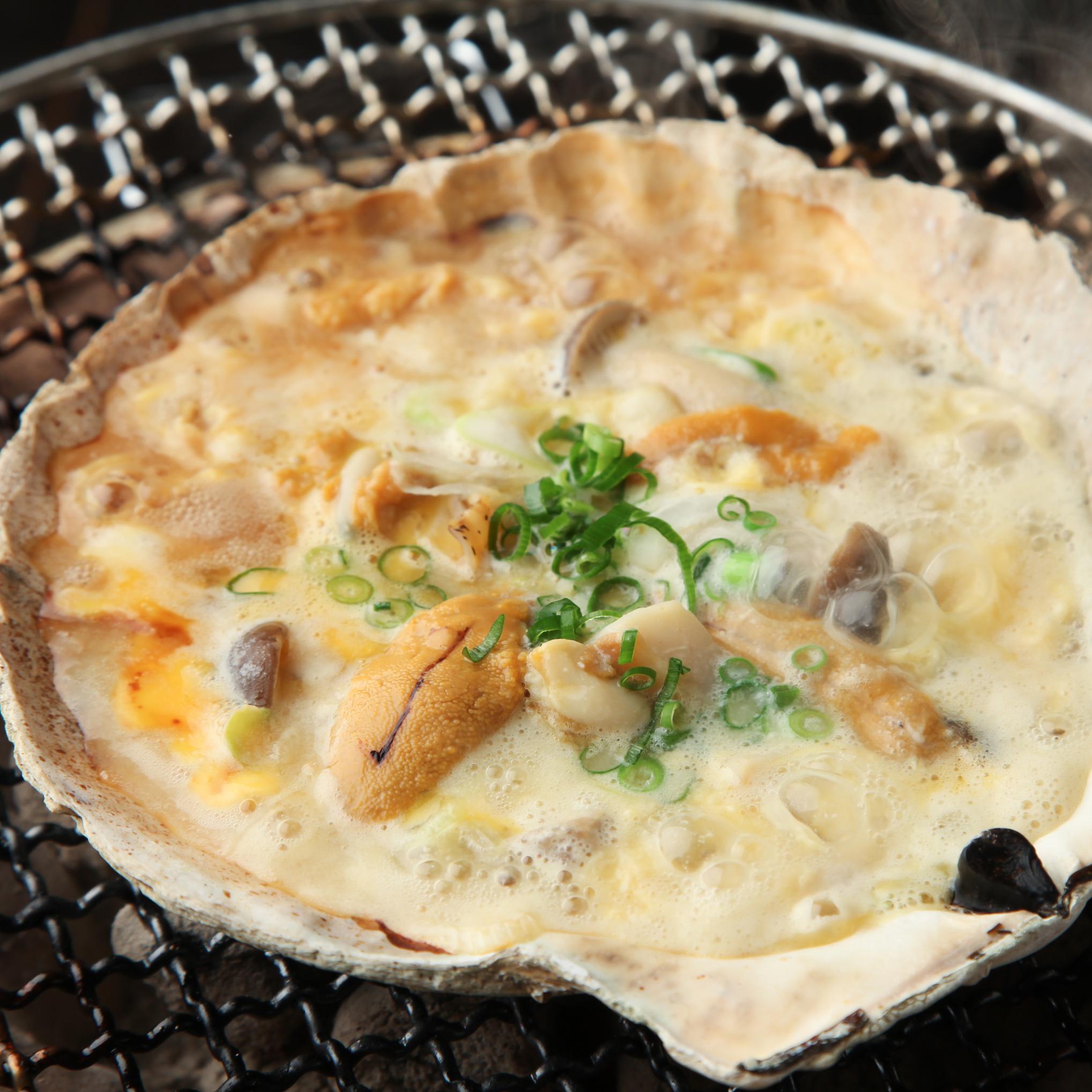 青森郷土料理 ホタテとウニの貝味噌焼き