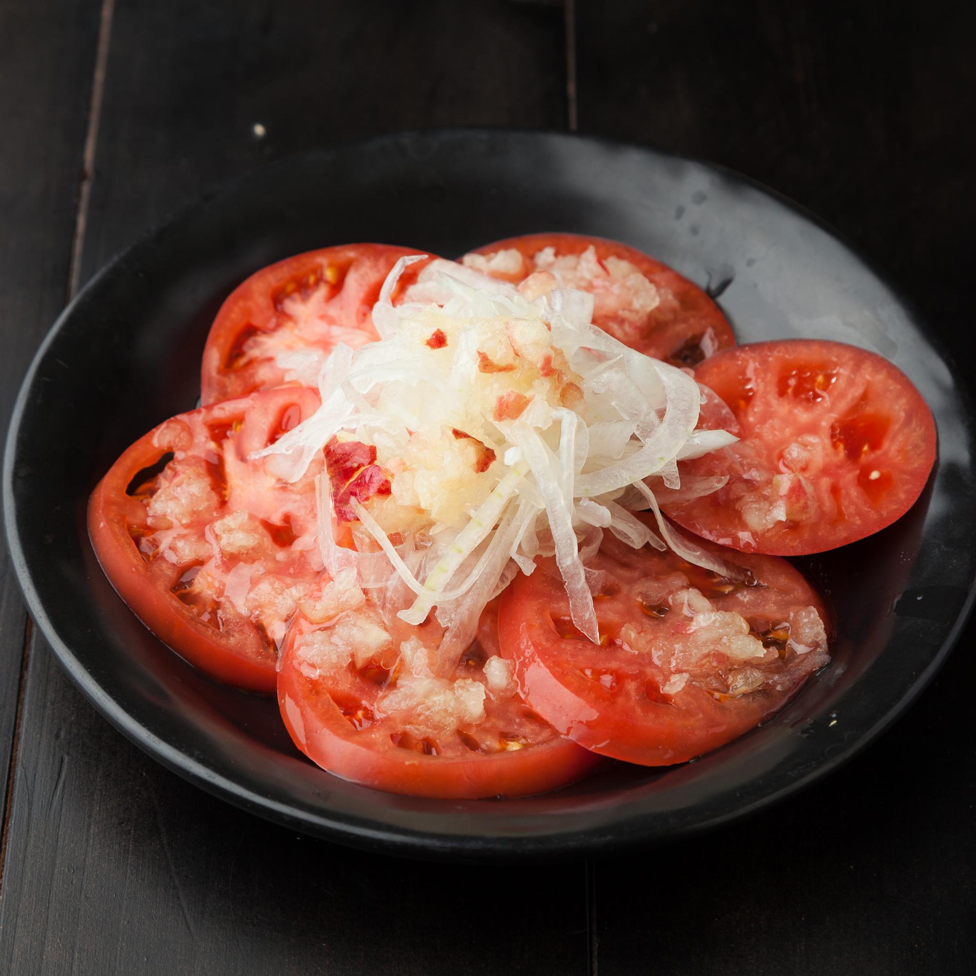 摩りおろしリンゴのトマトサラダ