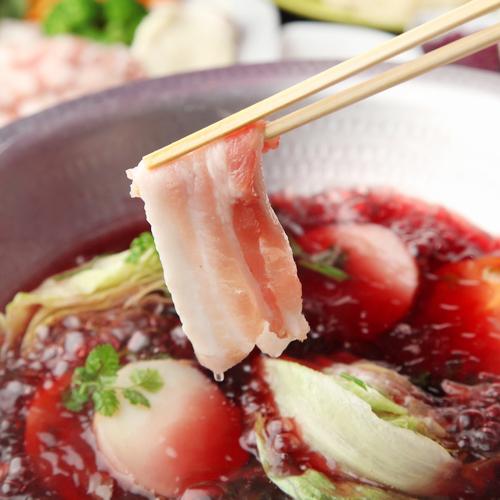 スペイン産ラルポークの赤ワイン鍋
