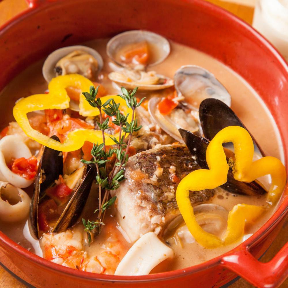 真鯛とムール貝のスープ仕立て アイオリ添え