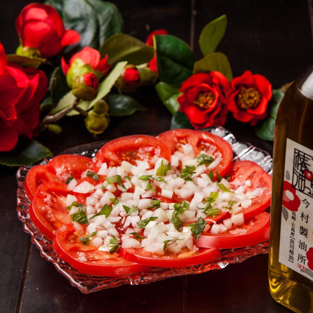 トマトの椿オイルサラダ