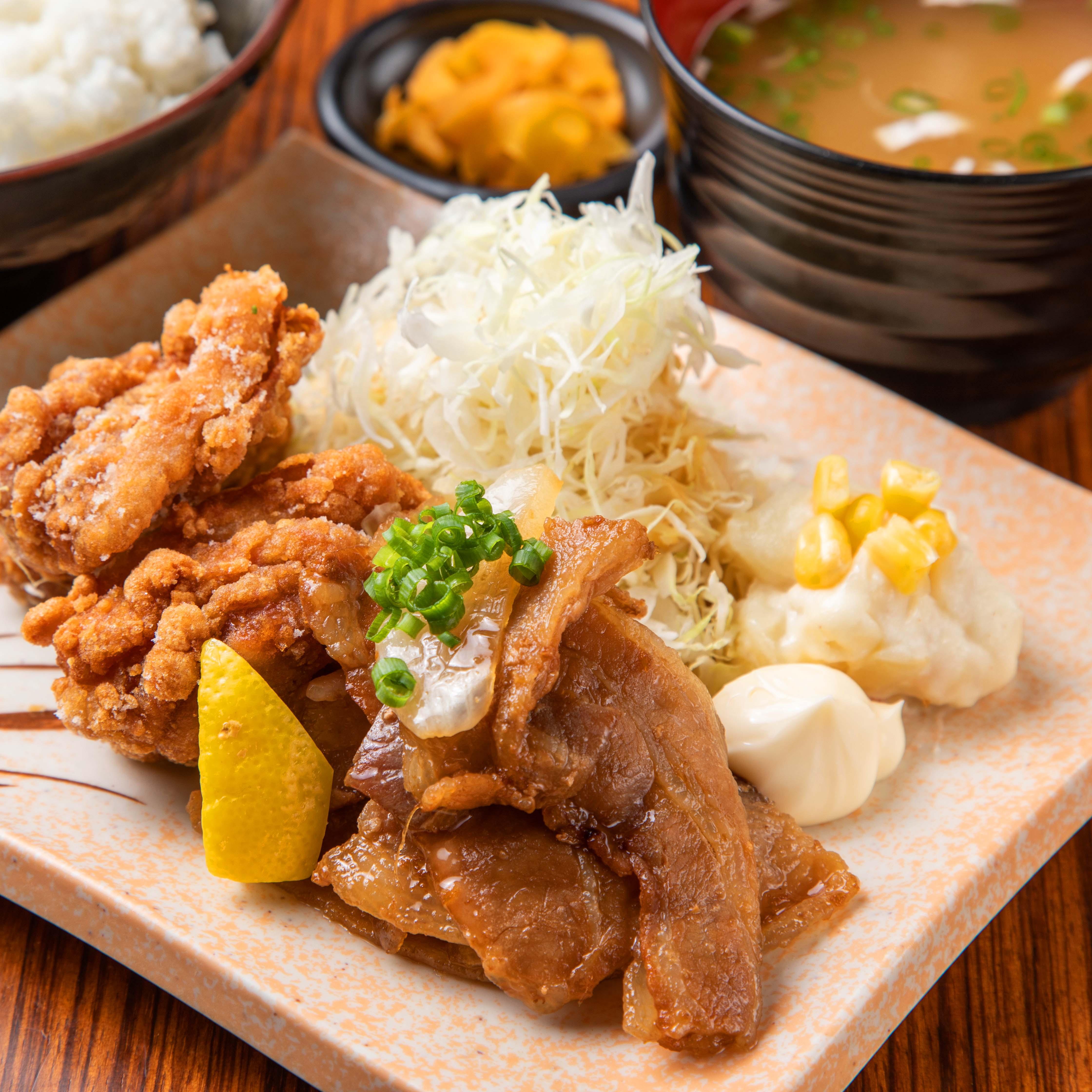 唐揚げと生姜焼き定食