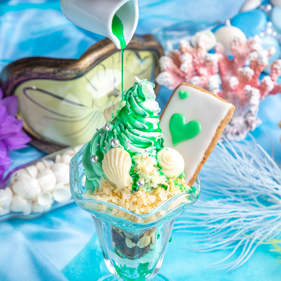 ハートのエースの浜辺のチョコミンパフェ