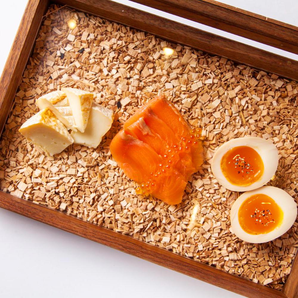 3種のスモークボックス サーモン・カマンベールチーズ・半熟たまご