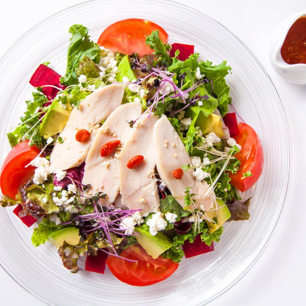 鶏胸肉のスーパーフードサラダ