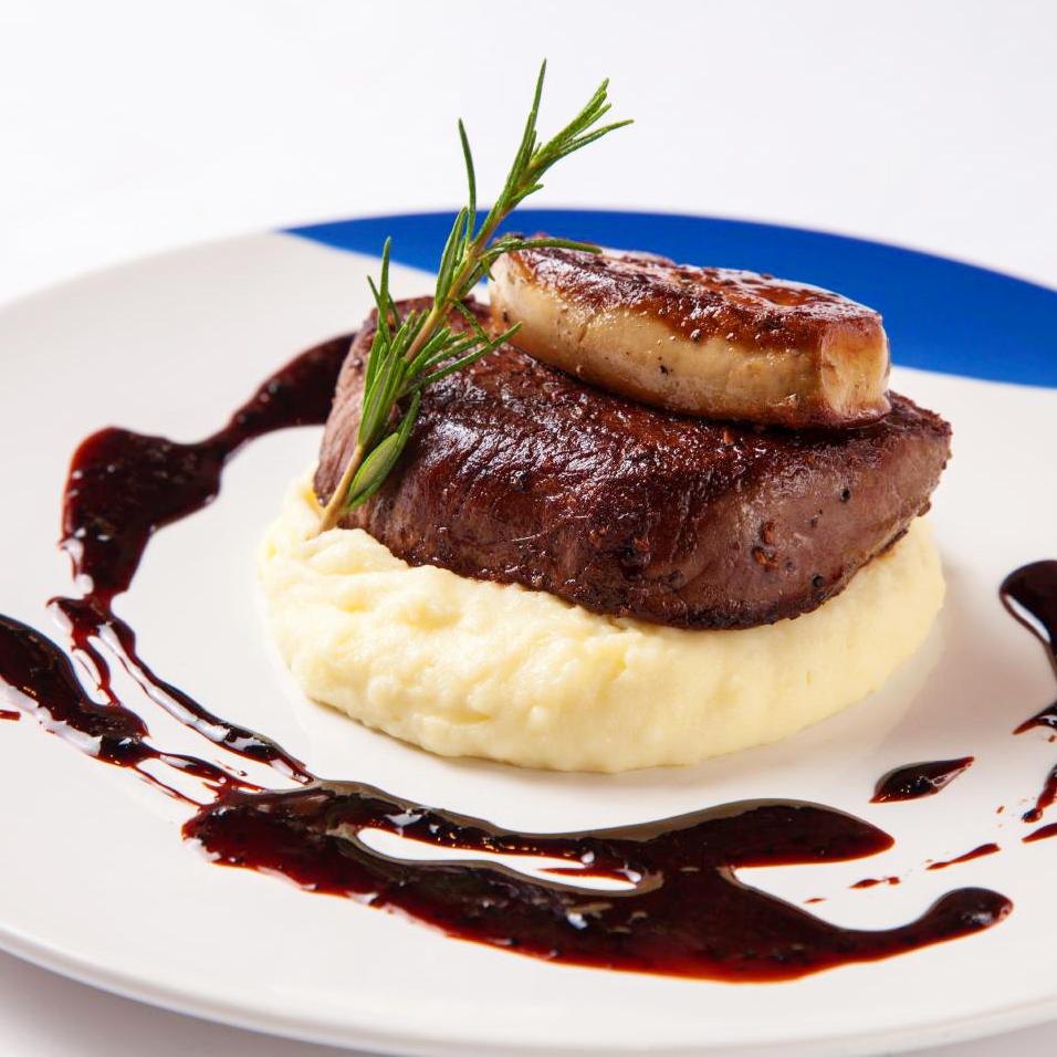 牛フィレ肉とフォアグラのロッシーニ ペリグーソース