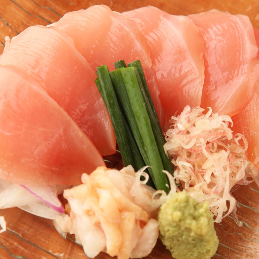有機畜産で作られたつくば茜鶏の刺身 生ハム仕立て