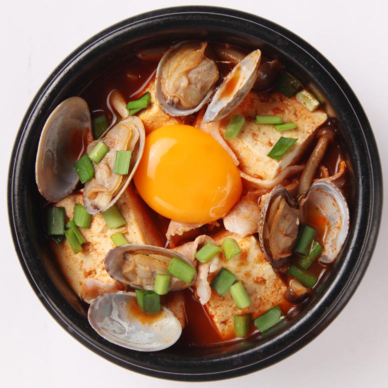 豚肉とあさりの焼きチーズスンドゥブ鍋(16穀米リゾット付)