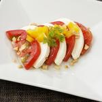 クリームチーズと完熟トマトのカプレーゼ