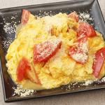とろっとチーズの完熟トマトのふわとろ玉子炒め