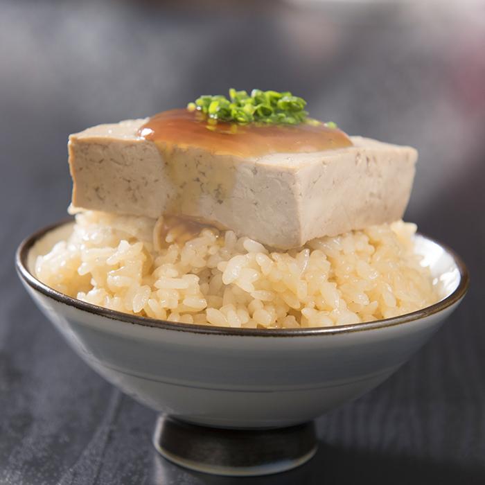 お豆腐ON茶飯