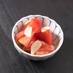 冷やしトマトのにんにくオイル