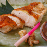 比内地鶏の熟成むね肉の塩こしょう焼き
