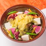 豆冨とパリパリ湯葉の金胡麻サラダ