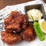 鶏もも肉の唐揚げ にんにく醤油タレ