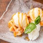 バニラアイスとワッフルトースト