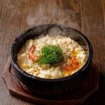 石焼き海鮮白マーボー丼
