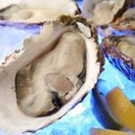 《国内産・海外産真牡蠣》各1ピース440円