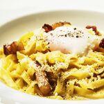 パンチェッタと半熟卵のカルボナーラ