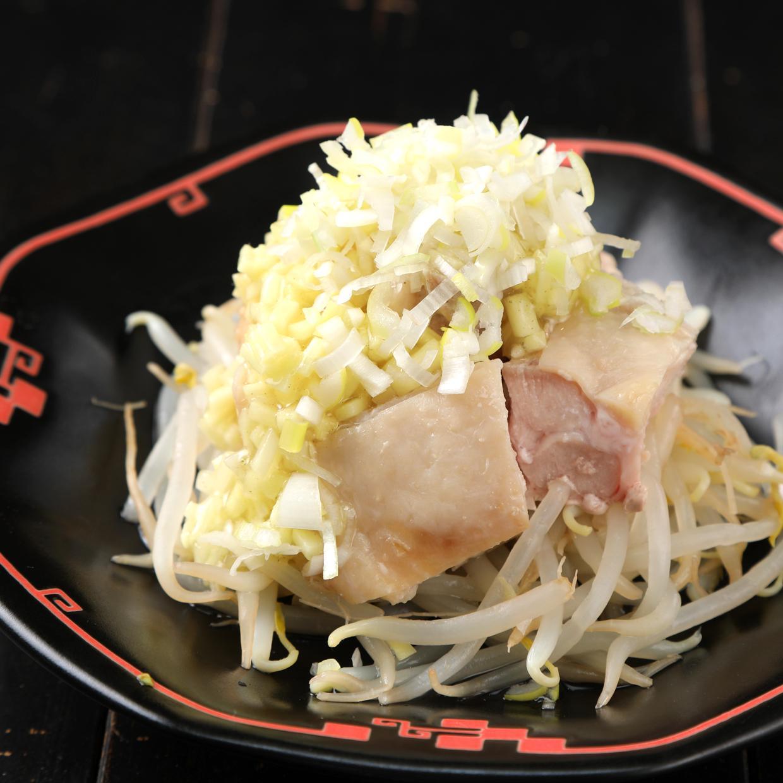 蒸し鶏 特製生姜ダレ