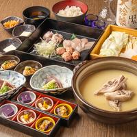 濃厚スープの水炊き鍋宴会コース