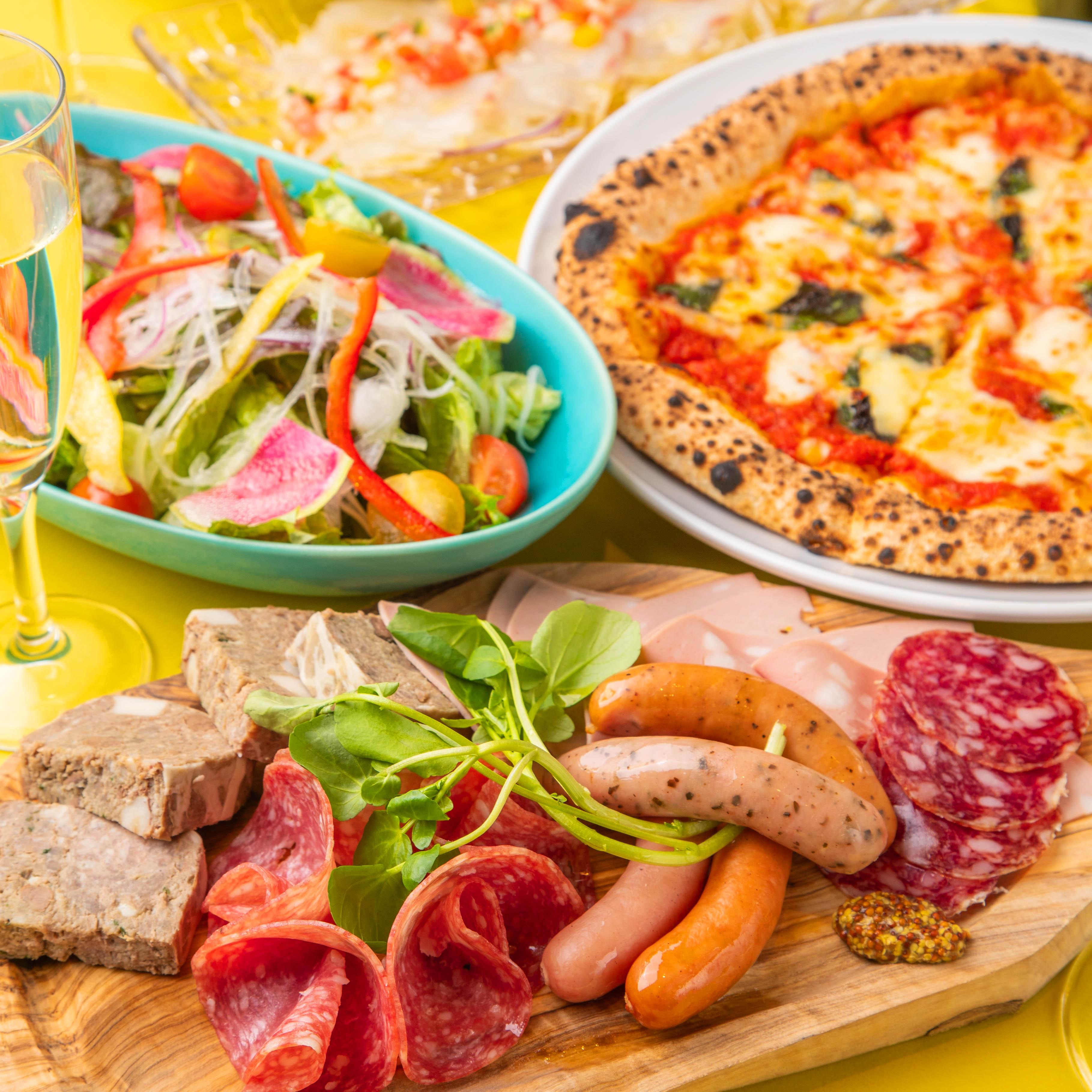[2時間樽生スパークリング含む飲み放題] 【Pizza×骨付き鶏モモ】ドンコナスタンダードコース9品