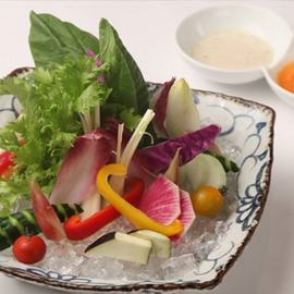 厳選お野菜のバーニャカウダ~2種の冷製ソース添え~