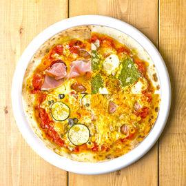 4種の味が楽しめるballo balloスペシャルPizza!