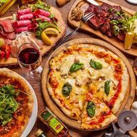 ピザと肉料理が自慢!