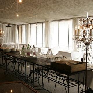 1階テーブル席